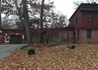 Foreclosed Home in Pequannock 07440 PEQUANNOCK AVE - Property ID: 4329113397