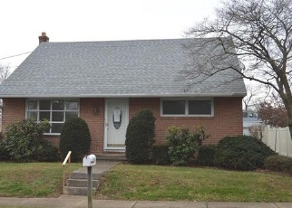 Foreclosed Home in Reading 19607 COMMONWEALTH BLVD - Property ID: 4329180852