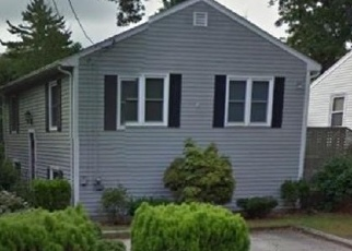 Foreclosed Home in New Bedford 02745 CHEROKEE ST - Property ID: 4329227260