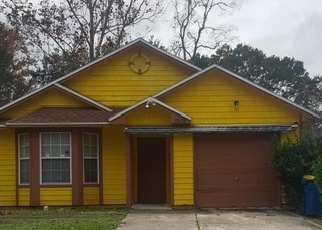 Foreclosed Home in Jacksonville 32218 NORTHWYCK DR - Property ID: 4329545230