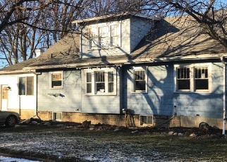 Foreclosed Home in Lansing 48910 CLIFTON AVE - Property ID: 4329663943