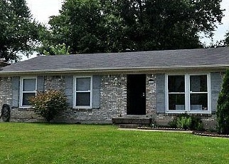 Foreclosed Home in Louisville 40218 SAINT THOMAS AVE - Property ID: 4329749331