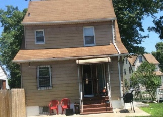 Foreclosed Home in Queens Village 11429 215TH ST - Property ID: 4329934602