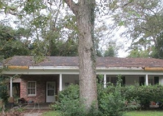 Foreclosed Home in Adel 31620 E 11TH ST - Property ID: 4329958695