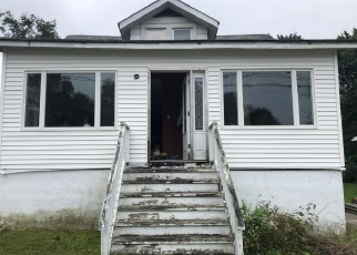 Foreclosed Home in Maple Shade 08052 E LINWOOD AVE - Property ID: 4329961759