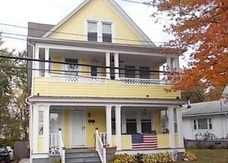 Foreclosed Home in Bridgeport 06605 MONTGOMERY ST - Property ID: 4329996346