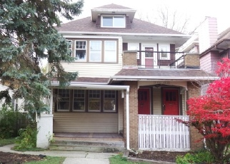 Foreclosed Home in Milwaukee 53208 N HI MOUNT BLVD - Property ID: 4330000736