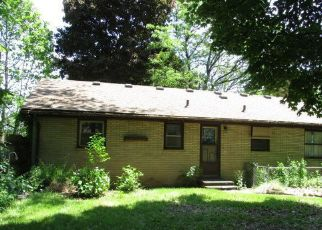 Foreclosed Home in Kalamazoo 49048 CHRYSLER ST - Property ID: 4330079117