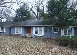 Foreclosed Home in Kalamazoo 49008 SHEFFIELD DR - Property ID: 4330082636