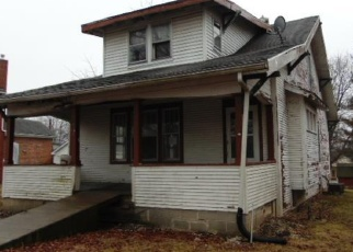 Foreclosed Home in Hillsboro 62049 N MAIN ST - Property ID: 4330246435