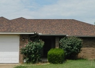 Foreclosed Home in Cache 73527 HUDDLESTON DR - Property ID: 4330349357