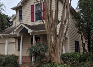 Foreclosed Home in Memphis 38103 RIVERWALK PL - Property ID: 4330454923