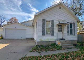 Foreclosed Home in Cedar Rapids 52404 21ST AVE SW - Property ID: 4330603833