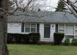 Foreclosed Home in North Branford 06471 FOXON RD - Property ID: 4331020778