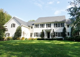 Foreclosed Home in Fairfield 06824 OLD HICKORY RD - Property ID: 4331179314