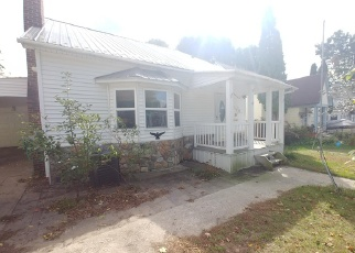 Foreclosed Home in Cadillac 49601 HOWARD ST - Property ID: 4331273480