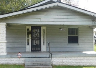 Foreclosed Home in Louisville 40212 N 34TH ST - Property ID: 4331319924