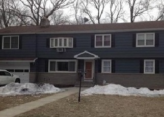 Foreclosed Home in Trumbull 06611 GARNET PL - Property ID: 4331349701