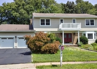 Foreclosed Home in Fairfield 07004 GLENROY RD - Property ID: 4331401820