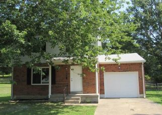 Foreclosed Home in Radcliff 40160 AUSTIN DR - Property ID: 4331426336