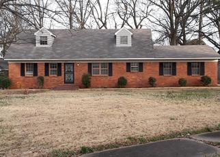 Foreclosed Home in Memphis 38116 WISTERIA DR - Property ID: 4331491598