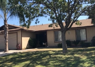 Foreclosed Home in Delano 93215 COLLEGE DR - Property ID: 4331572172