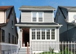 Foreclosed Home in Queens Village 11428 208TH ST - Property ID: 4331718918