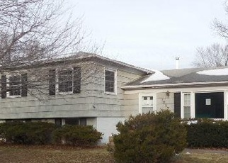 Foreclosed Home in Bettendorf 52722 PARKWAY DR - Property ID: 4331866949