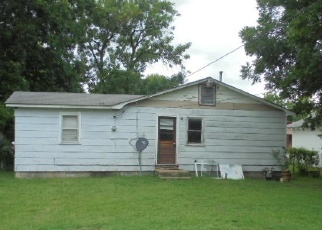 Foreclosed Home in Commerce 74339 S MAPLE ST - Property ID: 4332018928