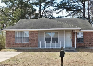 Foreclosed Home in Hopkins 29061 RAINTREE LN - Property ID: 4332020223