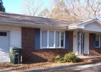 Foreclosed Home in Fayetteville 28303 SUMMER HILL RD - Property ID: 4332050898