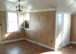 Foreclosed Home in Fort Worth 76104 E JESSAMINE ST - Property ID: 4332061395