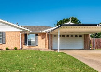 Foreclosed Home in Bartlesville 74006 S FENWAY CT - Property ID: 4332163896
