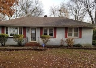 Foreclosed Home in Maple Shade 08052 BUENA VISTA AVE - Property ID: 4332214692