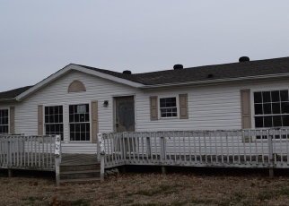 Foreclosed Home in Mount Carmel 62863 N 1400 BLVD - Property ID: 4332591343