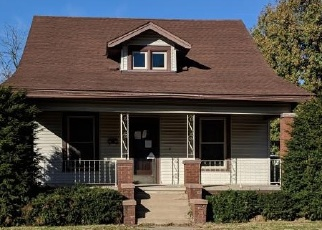 Foreclosed Home in Mattoon 61938 RICHMOND AVE - Property ID: 4332623764