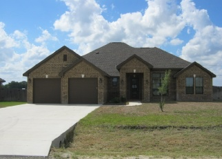 Foreclosed Home in Seguin 78155 PRAIRIE SMT - Property ID: 4332919388