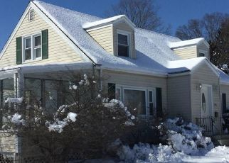 Foreclosed Home in Bridgeport 06610 ROSEWOOD PL - Property ID: 4333007422
