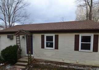 Foreclosed Home in Plymouth 06782 HOSIER RD - Property ID: 4333018370