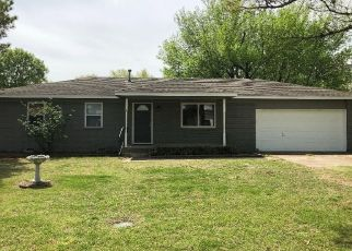 Foreclosed Home in Skiatook 74070 W 5TH ST - Property ID: 4333263645