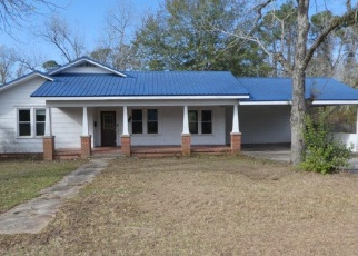 Foreclosed Home in Glennville 30427 S RUSHING ST - Property ID: 4333342474