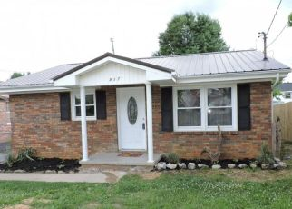 Foreclosed Home in Johnson City 37601 ROOSEVELT ST - Property ID: 4333409480