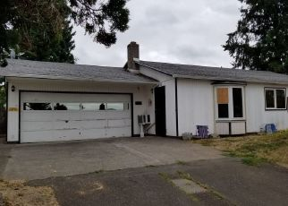 Foreclosed Home in Portland 97266 SE 99TH AVE - Property ID: 4333477369