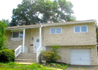 Foreclosed Home in Fairfield 07004 FOX HILL RD - Property ID: 4333587742