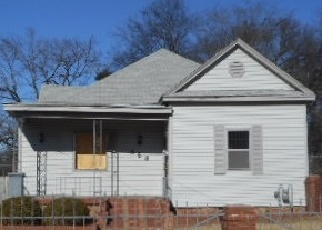 Foreclosed Home in Memphis 38106 LUCY AVE - Property ID: 4333599569
