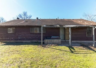 Foreclosed Home in Austin 78723 MEADOWOOD DR - Property ID: 4334007761