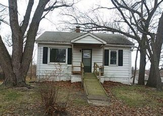 Foreclosed Home in Lake Station 46405 WARRICK ST - Property ID: 4334053299