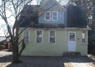 Foreclosed Home in Stratford 06615 MOHAWK ST - Property ID: 4334207471