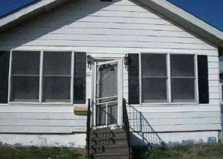 Foreclosed Home in Gillespie 62033 BROADWAY ST - Property ID: 4334238122