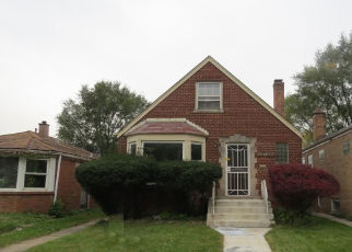Foreclosed Home in Riverdale 60827 S EMERALD AVE - Property ID: 4334328347